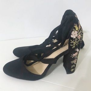 New Just Fab Lace Up Floral Embroidered Heels